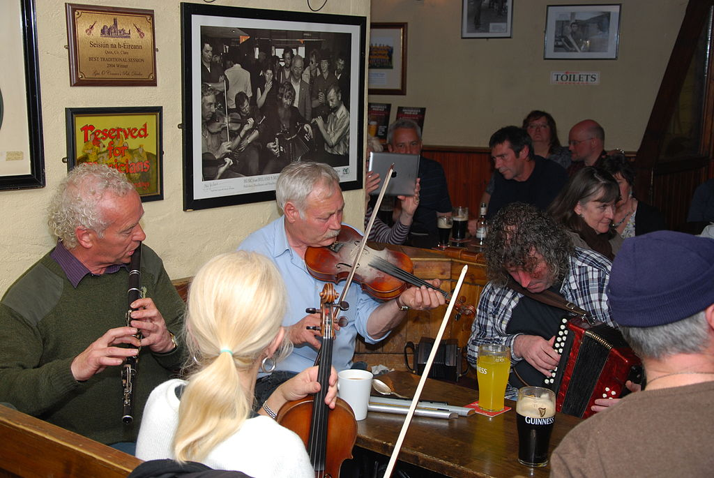 Traditional irish musicians by Gérald Tapp