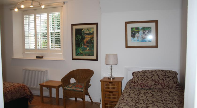Portobello Bed and Breakfast Dublin bedroom