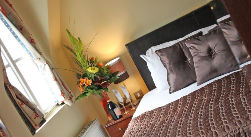 Dublin Citi Hotel Room