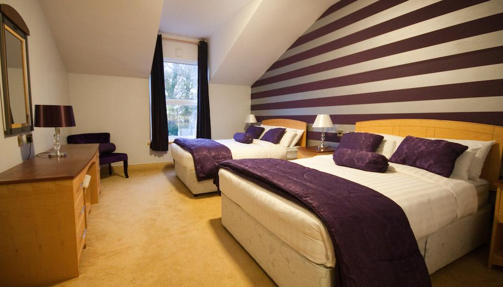 Dublin Airport Manor Bedroom 1