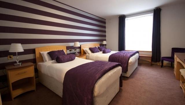Dublin Airport Manor Bedroom 2