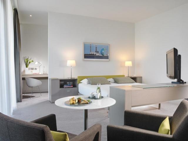Gibson Hotel Dublin bedroom service
