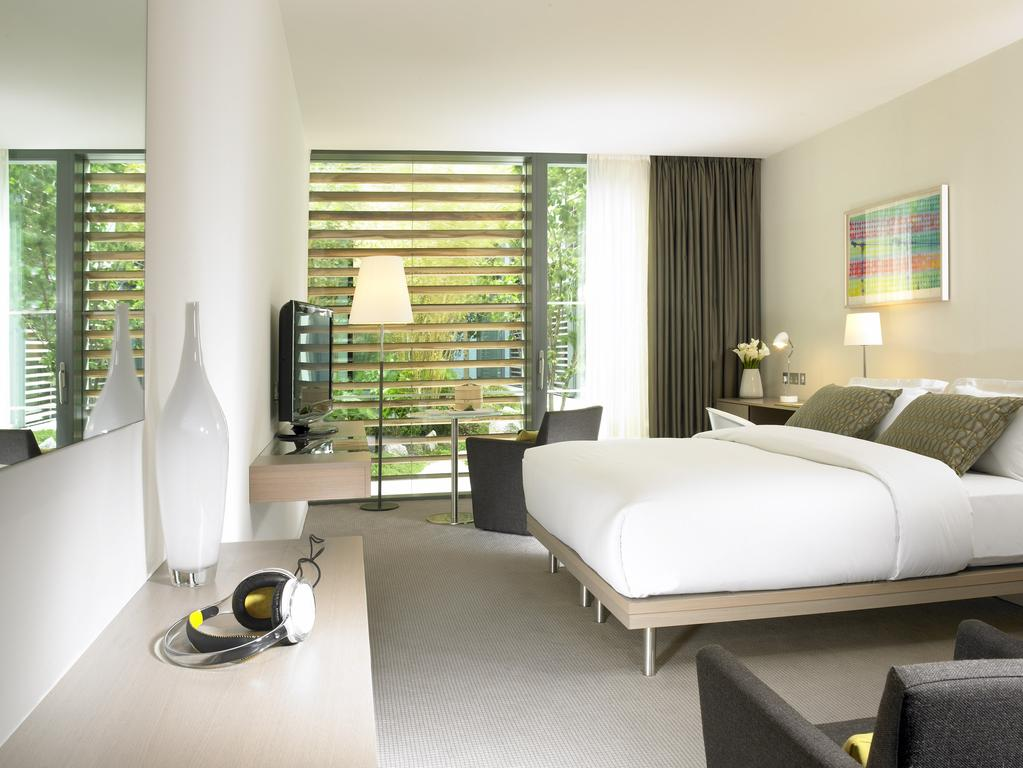 Gibson Hotel Dublin double bedroom